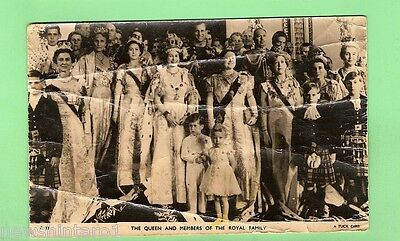 #c.   Postcard - Queen Elizabeth Ii & Royal Family, Creased