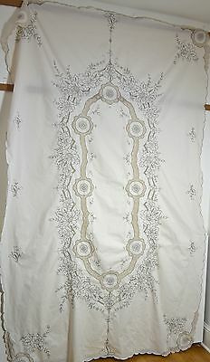 Striking Vintage Handmade Lace And Embroidery Tablecloth Jj6