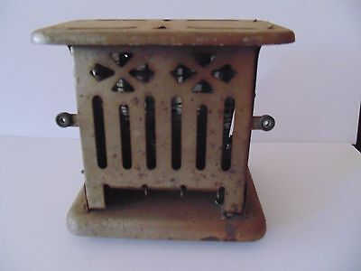 Antique 1914 Landers Frary & Clark Toaster
