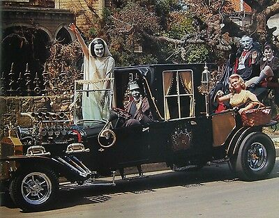 The Munsters With Car Fred Gwynne Yvonne Decarlo Pat Priest Tv Show 8X10 Photo