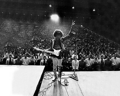 Jimi Jimmy Hendrix 1960's Music Rock Concert 8X10 Glossy Photo - Must Have!