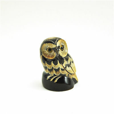Vtg Cute Round Owl figurine statue bird carved sculpture scrimshaw handmade M