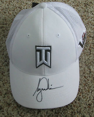 Tiger Woods Signed Nike TW Hat Brand New with tags with proof