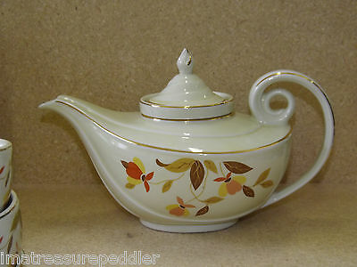 HALL'S SUPERIOR KITCHENWARE CHINA Autumn Leaf Aladdin Style Teapot with Infuser