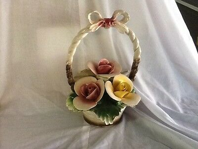Capodimonte - Lovely Basket With A Bow On Top