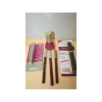 Lot de 6 maquillages de marque.