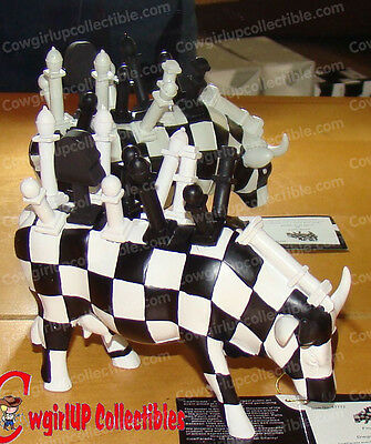 47772 - FINAL MOOVE (Cow Parade) Costa Rica, 2008 (Chess Cow)