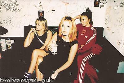 Official Spice Girls Photo Collection 1997: Photograph #53