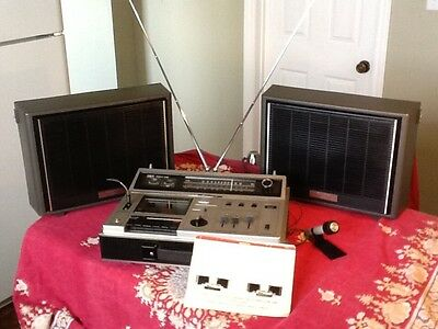 Vintage Portable 70's Boom-Box Sony Stereo Cassette-Corder/Amp/AM/FM CF-610