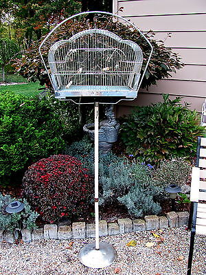 VINTAGE CROWN INDUSTRIES CHIPPY COTTAGE CHIC METAL WIRE BIRD CAGE WITH STAND