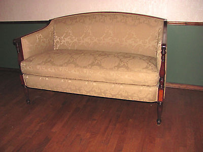 Antique American Federal Style Mahogany Settee Sofa Circa 1880