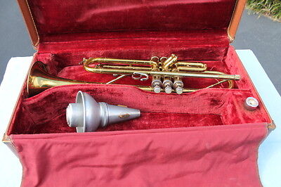 RARE 1940s F.A. REYNOLDS TRUMPET, MUTE AND ORIGINAL HARD CASE