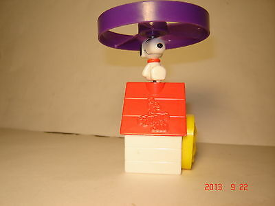 "2000 Wendy's Kids Meal - Snoopy 2000 ""HELICOPTER DOG HOUSE"""