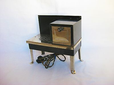 VINTAGE METAL WARE CORP CHILDREN'S TOY ELECTRIC STOVE & OVEN