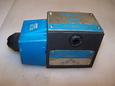 NEW VICKERS HYDRAULIC DIRECTIONAL SOLENOID VALVE DG4S4-012A-B-60  868982  120V