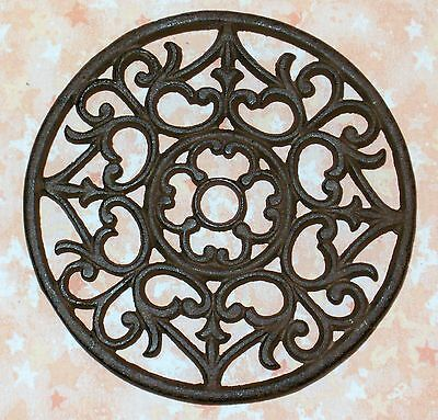 NEW~CAST IRON Ornate Round Functional Trivet - Wall Decor Hanging Victorian