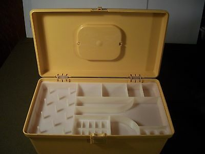 WILSON WIL-HOLD HARVEST GOLD VINTAGE PLASTIC STORAGE BOX WITH HANDLE TRAY VGUC