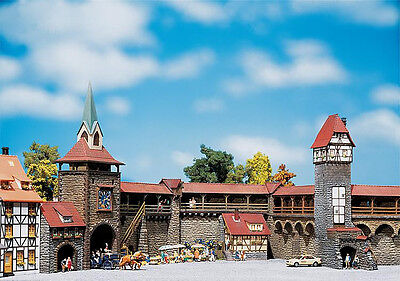 PREORDER 130401 Faller HO Kit of an Old-Town wall set - NEW