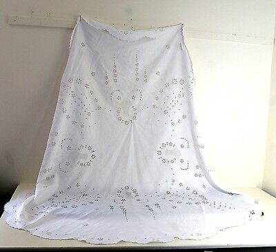 Glorious Vintage Antique Round Linen Tablecloth With Eyelet Embroidery Nn72