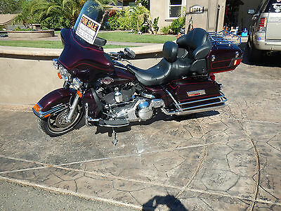 Harley-Davidson : Touring HD Ultra Classic 2006 Loaded like new w/4000 miles. Custom seat and many upgrdes