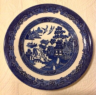 """Vintage JOHNSON BROS ENGLAND Blue and White WILLOW ENGLAND 8.25"""" PLATE"""