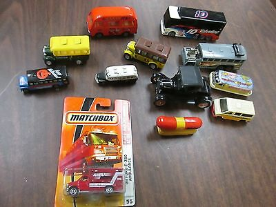 Toy Car/Bus Misc Lot of 12 Pieces, Different Sizes/Makes Hot Wheels 123014ame3