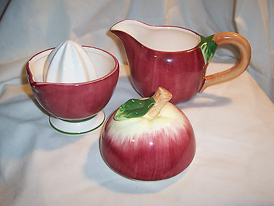 Red  Apple  Ceramic    PITCHER  &  JUICER  REAMER SET   (#823)