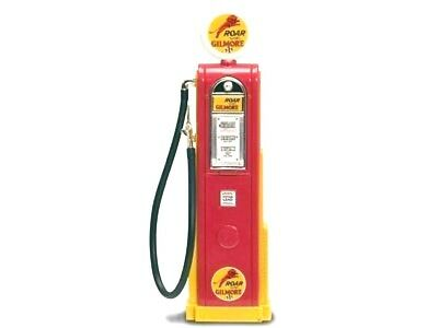 New In Box Road Signature 1/18 Scale Diecast  Gilmore Roar  Digital Gas Pump