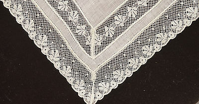 Lovely Vintage Linen Wedding Hanky With Pretty Lace Borders Oo26