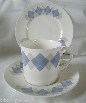SHELLEY BLUE HARLEQUIN 14198 TRIO white w/ diamond pattern Cup Saucer  Plate