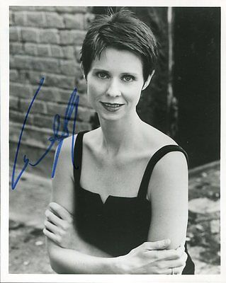 CYNTHIA NIXON autographed 8x10 photo        MIRANDA FROM SEX AND THE CITY