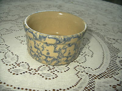 Roseville OH low crock blue pint sponge pottery marked R R P CO Excellent