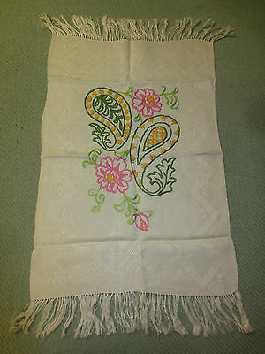 "Embroidered PAISLEY  FLORAL DESIGN on Woven, Fringed RUNNER - 15.5"" x 27"""