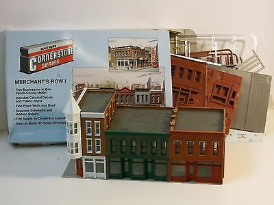 HO SCALE WALTHERS CORNERSTONE ASSEMBLED KITS,MERCHANTS ROW 1 AND 2