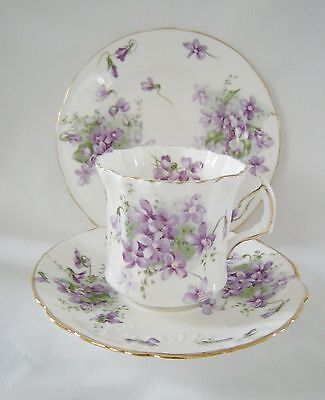 HAMMERSLEY VICTORIAN VIOLETS bone china TRIO Cup Saucer and Tea  Plate gold rims