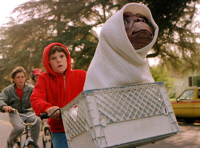 E.t. Extra Terrestrial Et Movie Glossy 8X10 Photo Picture