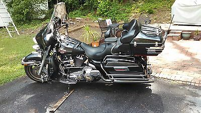 Harley-Davidson : Touring 2006 ultra classic black and chrome lots of extras