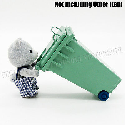 Green Sanitation Trash Can Miniature 1:12 Dollhouse Waste Bin Toy for Rement New