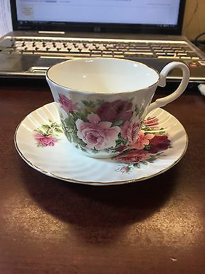 REGENCY ENGLISH BONE CHINA TEA CUP AND SAUCER PINK ROSE AND IVY MADE IN ENGLAND