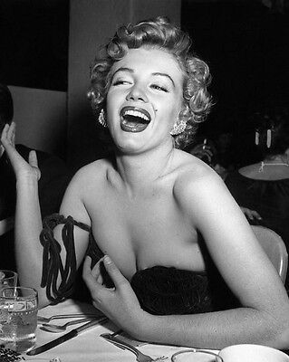 Marilyn Monroe 8x10 Classic Hollywood Photo. 8 x 10 B&W Picture #10