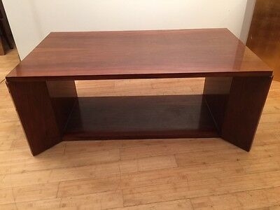table basse moderniste cf Charreau vers 1930