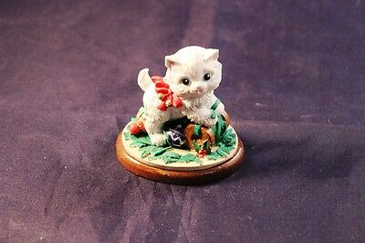 "Charming 1991 Potpourri Press 2.5"" Kitty Cat Holiday Statue Figurine"