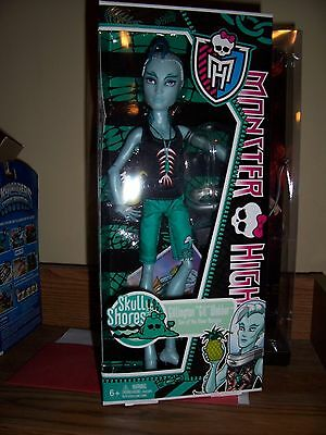 Monster High Gil Webber Skull Shores New in Box Rare with Orange Stand