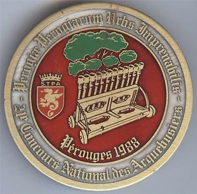 21e CONCOURS NATIONAL DES ARQUEBUSIERS PEROUGES 1988 pin back medal / badge