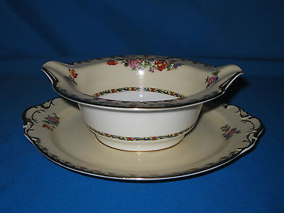 KPM Germany KINGSLY 8 1/4-inch Gravy with Attached Stand