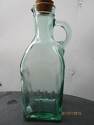 RARE! BEAUTIFUL VINTAGE GREEN GLASS JUG/BOTTLE  WITH CORK AND HANDLE 1 QUART 4OZ