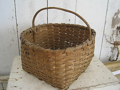 Old Primitive Wonderful Attic Patina Basket Hand Carved Wood Handle Americana