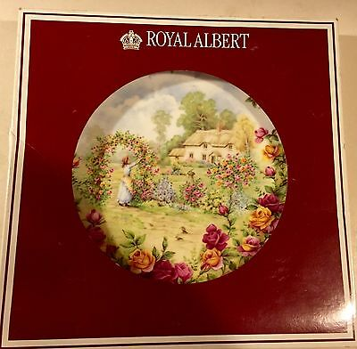 Royal Albert Bone China -A Celebration of the Old Country Roses Garden Plate '86