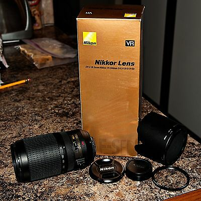 Mint Condition - Nikon Zoom-Nikkor 70-300 mm F/4.5-5.6 G AF-S VR IF ED Lens
