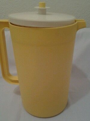 Vintage Tupperware 1 GALLON LARGE Pitcher with Push Button Seal-- Yellow